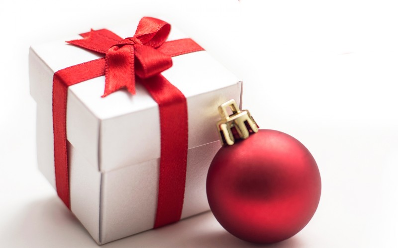 Present and bauble for Christmas eve news 2018